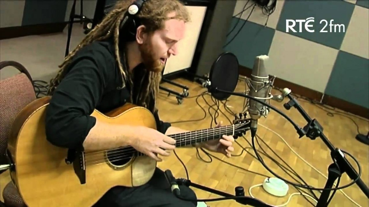 Newton Faulkner Booking Agency | Newton Faulkner Event Booking